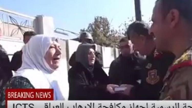الموصليون يستقبلون الجيش العراقي بالزغاريد والعناق