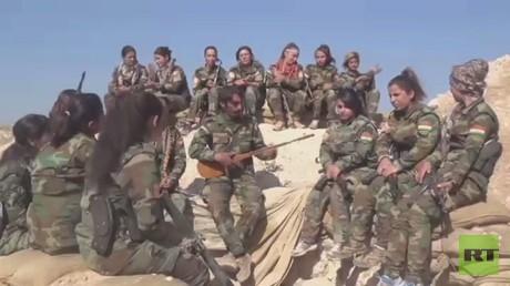 مغنيات كرديات يخضن معركة الموصل!