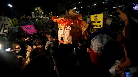 احتجاجات في كاليفورنيا على فوز دونالد ترامب بالرئاسة