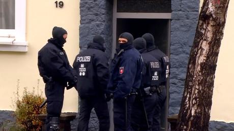 عمليات مداهمة تنفذها القوات الأمنية الألمانية