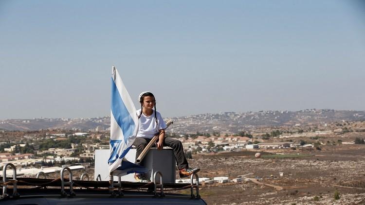 الجيش الإسرائيلي ينقل مستوطنة عمونا بدلاً من إخلائها