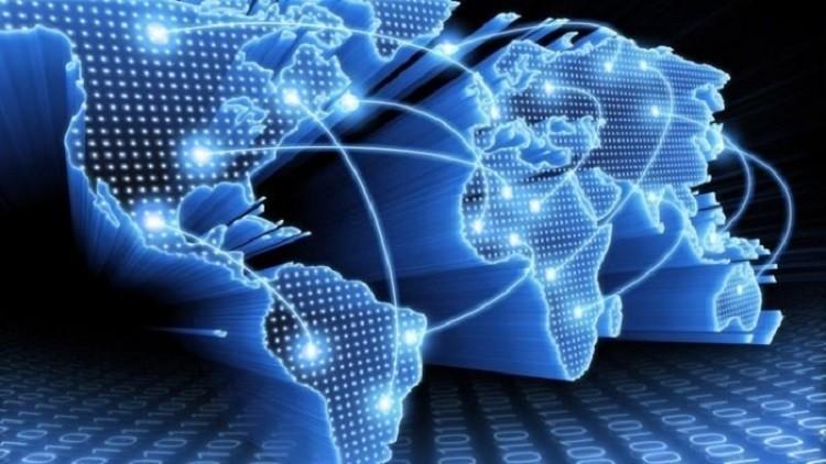 الفضاء الإلكتروني للمناورة