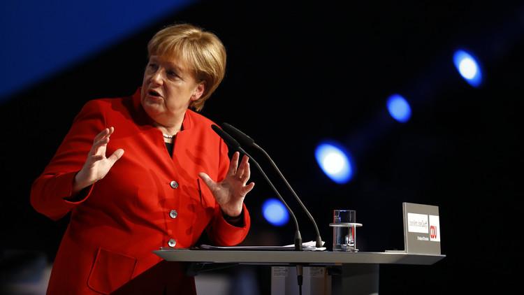 ميركل تنتقد الألمان لتجاهلهم حلب واهتمامهم بقضايا أخرى