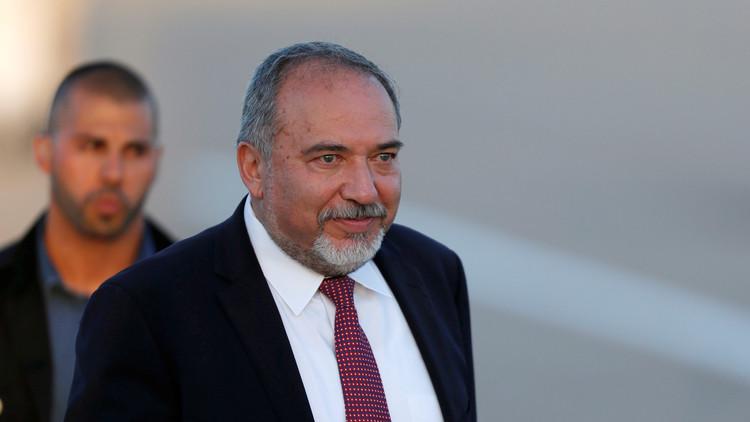 وزير الدفاع الإسرائيلي يتبنى عمليات ضد حزب الله في سوريا