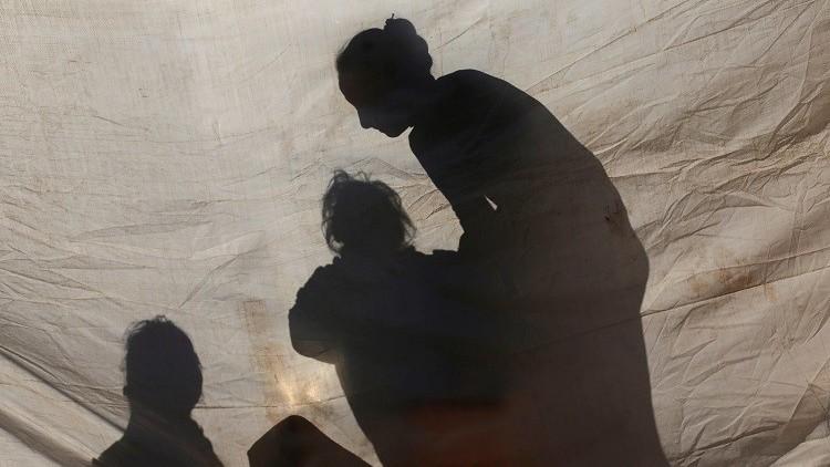 المفوضية الأوروبية توصي باستئناف إعادة المهاجرين إلى اليونان