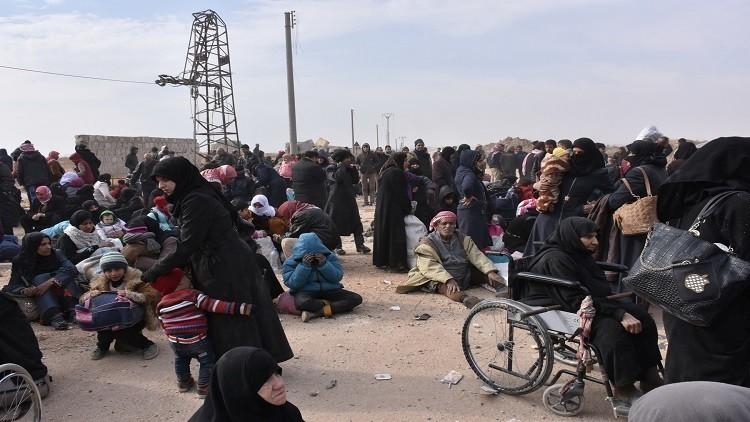 حميميم: أكثر من 8 آلاف مدني غادروا شرق حلب