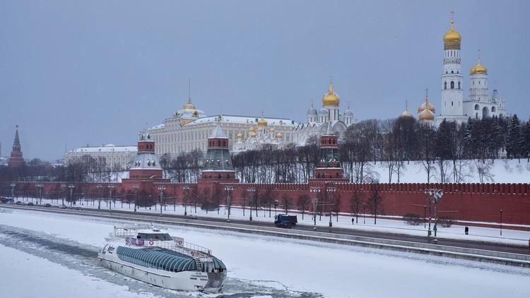 موسكو تدرس خفايا قرار واشنطن رفع القيود عن تسليح حلفائها في سوريا وترى فيه تهديدا