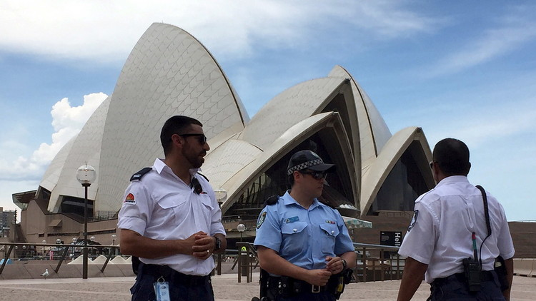 محاكمة شابين بأستراليا خططا لقطع رؤوس المصلين