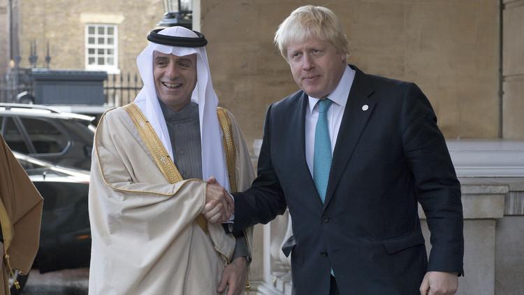 الجبير يدافع عن جونسون بعد تهجمه على السعودية