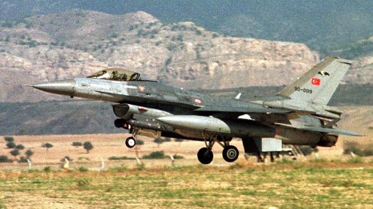 مقاتلات تركية تدمر 12 هدفا