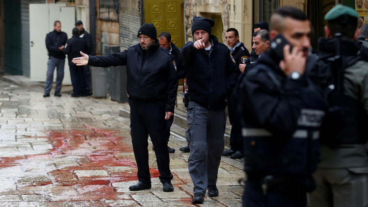 إسرائيل تقتل فلسطينيا تتهمه بطعن شرطي في القدس