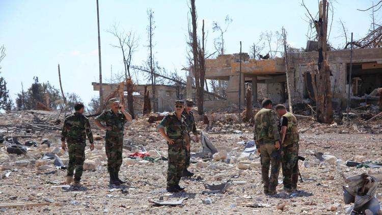 الجيش السوري يبعد المسلحين عن مطار التيفور العسكري