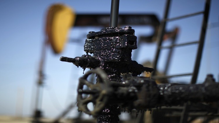 نوفاك يطمئن السوق بشأن نمو إنتاج النفط الصخري