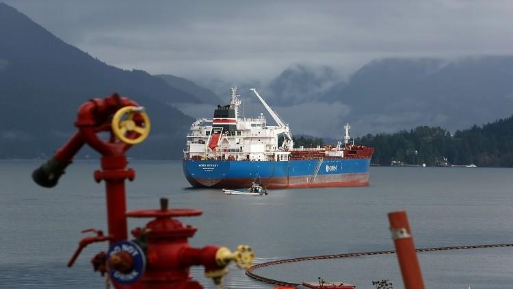 النفط يرتفع مع بدء تنفيذ اتفاق خفض الإنتاج