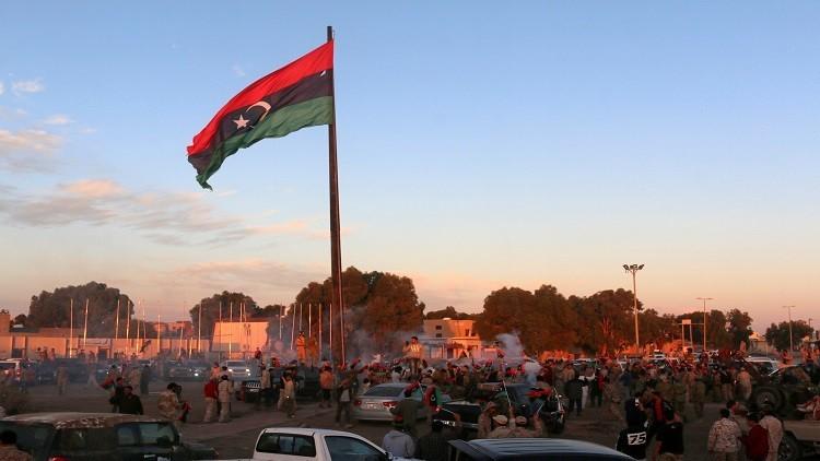تعيين حاكم عسكري في سرت والجيش يلوح باستعادة طرابلس