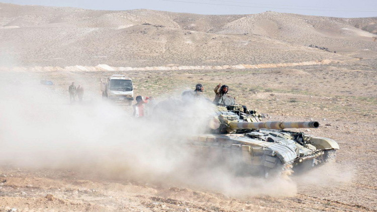 الجيش السوري يصد هجوما عنيفا لداعش على مطار