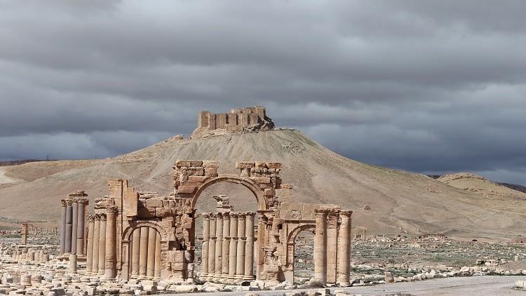 تواصل المعارك في تدمر وريفي حماة وحمص
