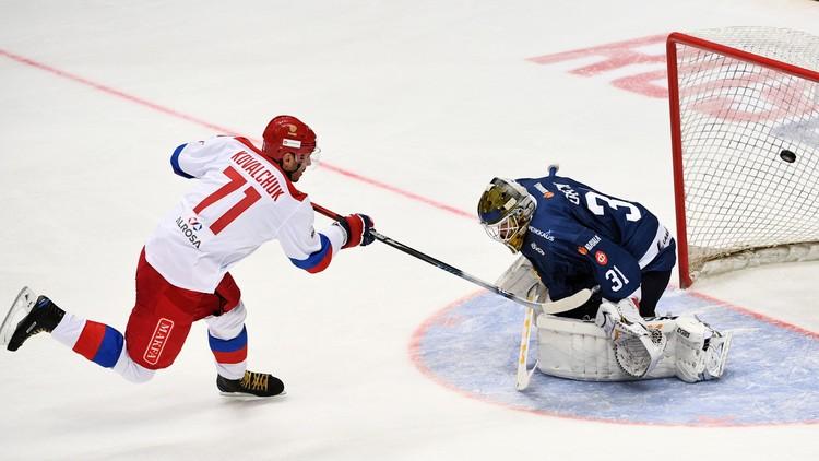روسيا تتفوق على فنلندا بهوكي الجليد