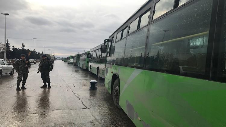 إجلاء 382 شخصا من المسلحين وأفراد عائلاتهم من شرق حلب خلال الساعات الـ24 الماضية