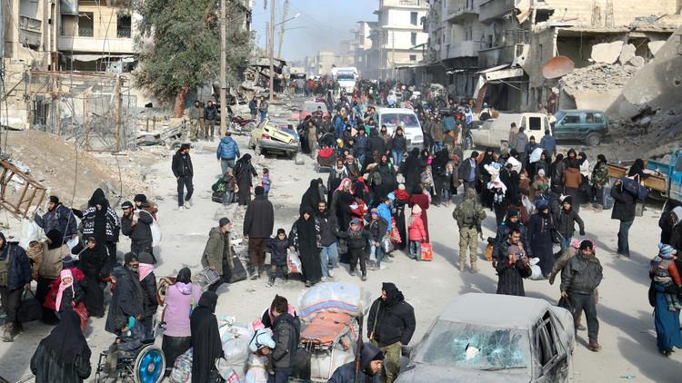 الصليب الأحمر: إجلاء 5000 شخص من شرق حلب الاثنين