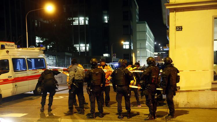 إصابة 3 أشخاص بإطلاق نار في مركز إسلامي بزيوريخ السويسرية