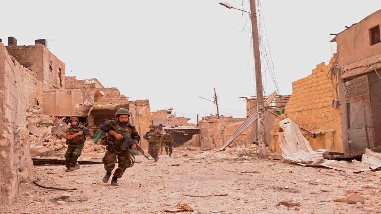 الجيش السوري يلوح باقتحام آخر جيب للمعارضة شرق حلب