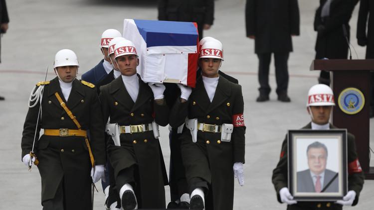 الكرملين: اغتيال السفير الروسي يضر بسمعة تركيا