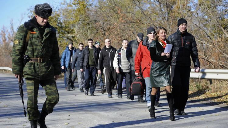 كييف تقترح على دونباس بحث تبادل الأسرى