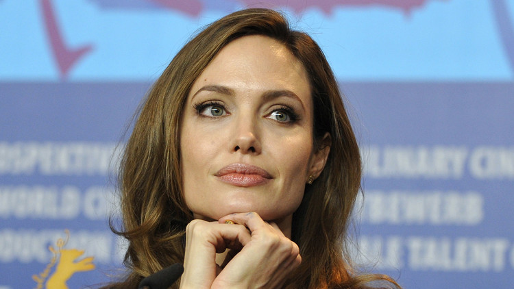 أنجلينا جولي الأكثر تداولا في الصحافة الروسية هذا العام