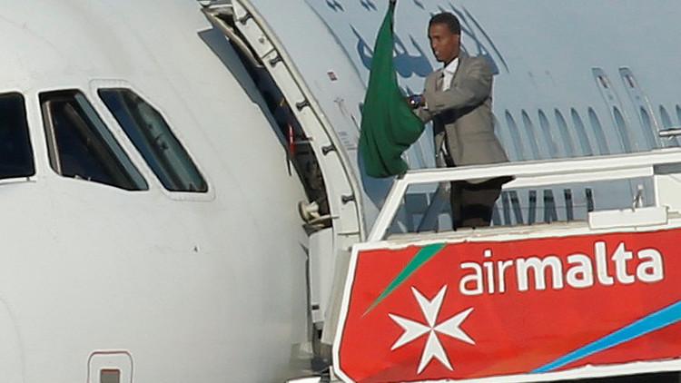 انتهاء أزمة اختطاف الطائرة الليبية دون خسائر واعتقال الخاطفين