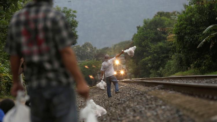 قطار يصدم مهاجرا بالقرب من الحدود الفرنسية