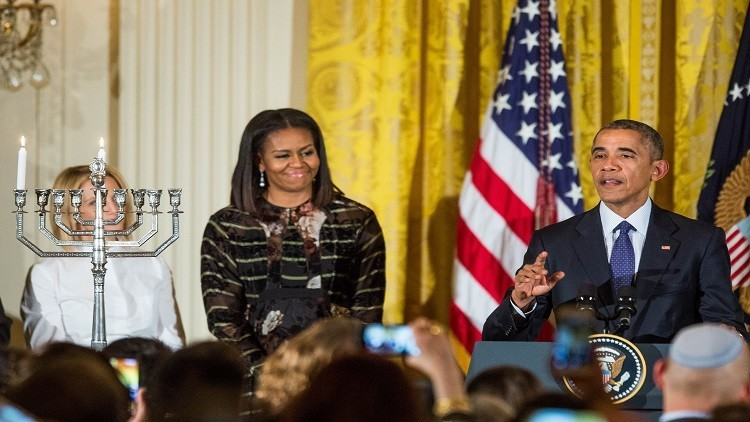 ماذا قال أوباما في آخر رسالة ميلاد له كرئيس؟