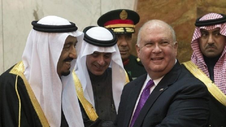 الملك سلمان يودع سفير واشنطن الذي يقاسمه المخاوف من