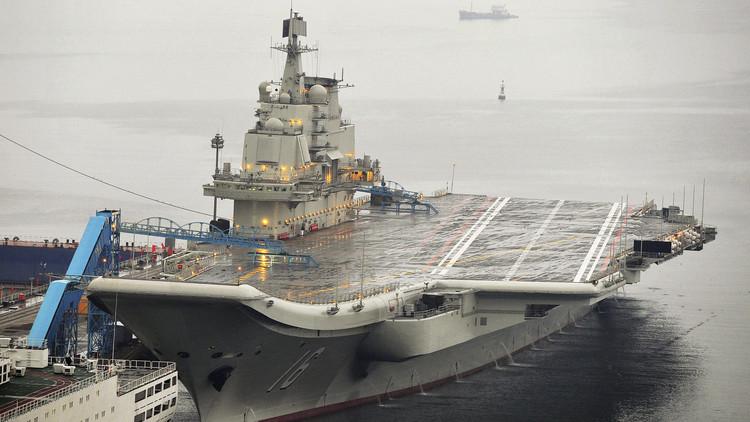 حاملة طائرات صينية تقوم بتدريبات غرب الهادئ في ظل توتر كبير مع تايوان