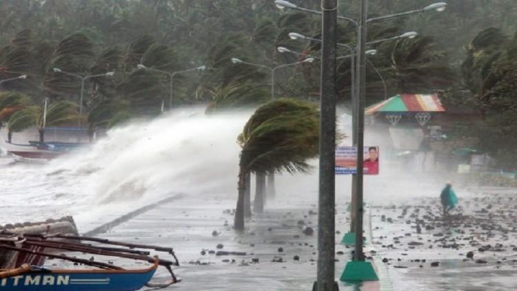إعصار نوك-تين يسفر عن 3 قتلى ويهدد مانيلا