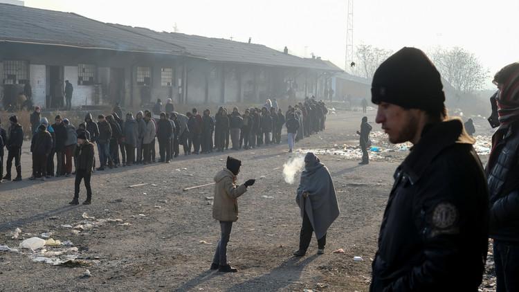 دول البلقان ترحل مهاجرين بشكل غير شرعي