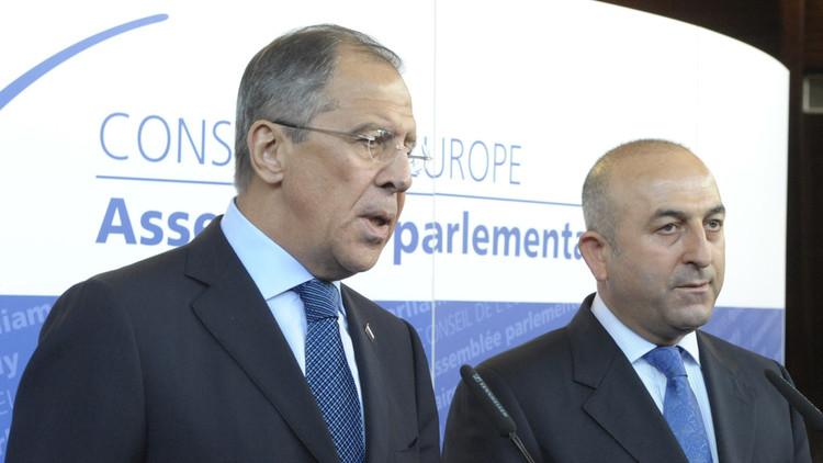 لافروف وجاويش أوغلو يبحثان خطوات عملية لوقف القتال بسوريا