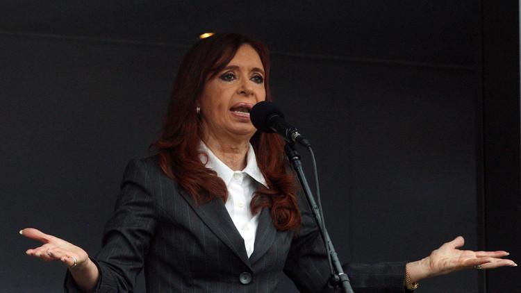 اتهام رئيسة الأرجنتين السابقة في قضية فساد