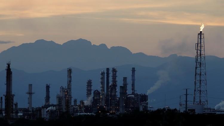 صناعة النفط الأمريكية تتعافى في نهاية 2016