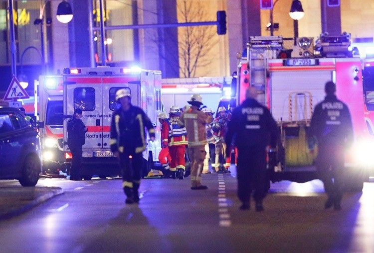 الشرطة الألمانية: 12 قتيلا و48 مصابا في عملية دهس استهدفت متسوقين في برلين