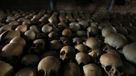 جماجم لأطفال من ضحايا الإبادة الجماعية محفوظة في إحدى كنائس رواندا