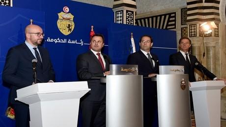 رؤساء وزراء كل من هولندا وبلجيكا ولوكسمبورغ وتونس خلال مؤتمر صحفي