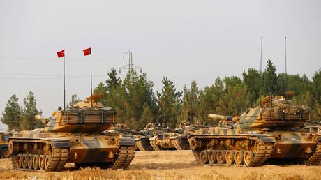دبابات تركية مشاركة في عملية درع الفرات