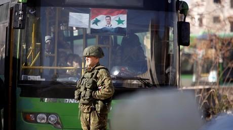 الفصائل المسلحة شرق حلب تدعو لهدنة إنسانية مدتها 5 أيام