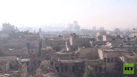 كاميرا RT تدخل أحياء حلب القديمة