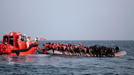 قوارب المهاجرين في المتوسط