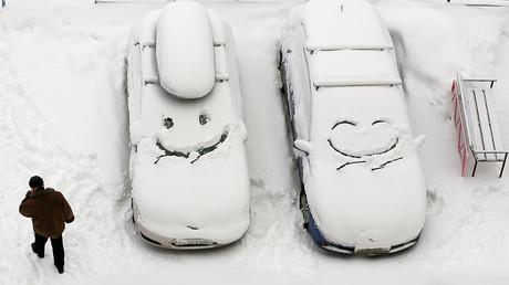 50 درجة مئوية تحت الصفر لا تغني سكان سيبيريا عن المرح