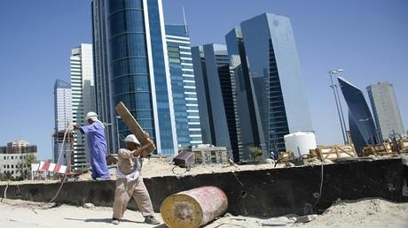 رفع أجور المصريين في الكويت إلى 150%
