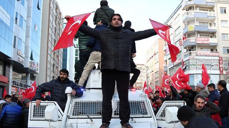 متظاهرون أتراك