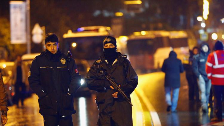 ناجون من هجوم اسطنبول يروون لحظات الرعب التي عاشوها